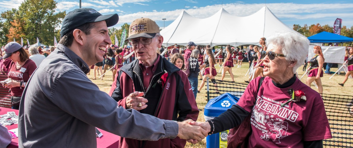 SIU Alumni meet at Tailgate